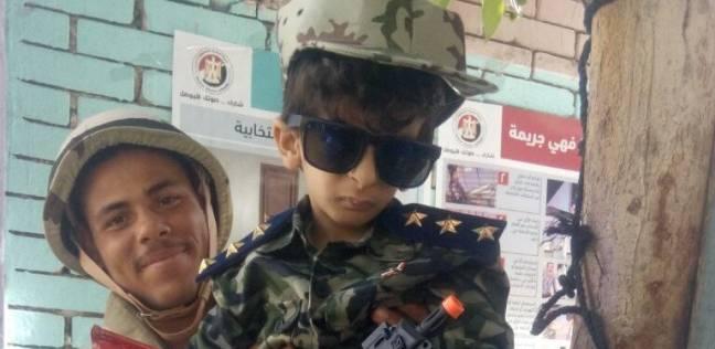 «إياد» ارتدى البدلة العسكرية وهتف «تحيا مصر»