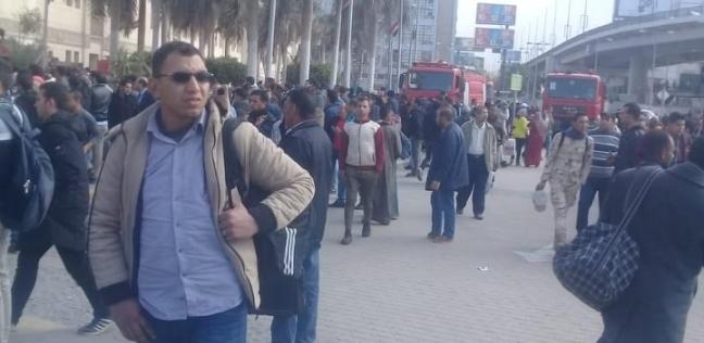 """السكك الحديد تقرر إيقاف حركة القطارات بعد """"حريق محطة مصر"""""""