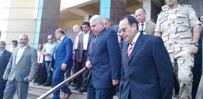 """محافظ شمال سيناء: إنشاء طريق جديد لحي الكرامة وحل مشكلات """"أبو طفيلة"""""""