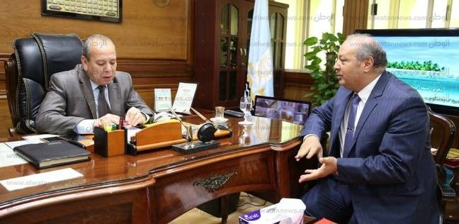 محافظ كفر الشيخ يلتقي مدير المستشفى العام لبحث مستوى الخدمة الطبية