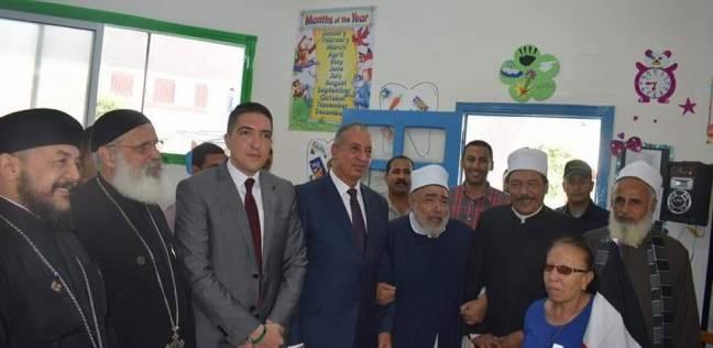 محافظ البحر الأحمر يتفقد مقرات اللجان الانتخابية في الغردقة