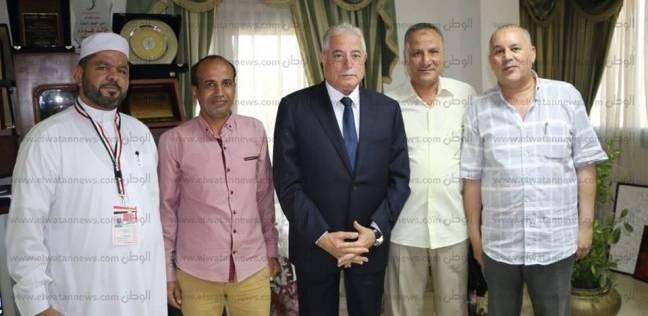بالصور| محافظ سيناء يوجه بتوفير الرعاية للحجاج خلال رحلتهم للقاهرة