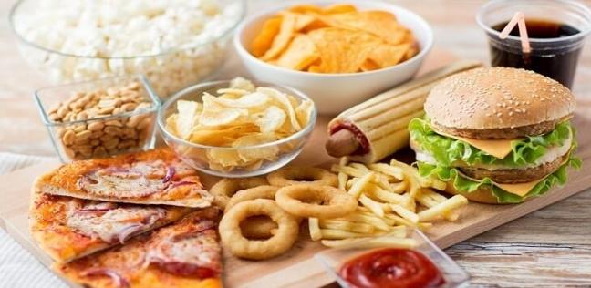10 عادات غذائية يجب التوقف عنها فورًا