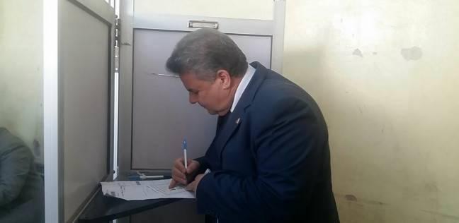 """رئيس جامعة بنها يدلي بصوته في مدرسة """"عبدالمنعم رياض"""""""