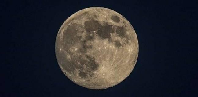 غموض حول أول مسافر برحلة سياحية حول القمر