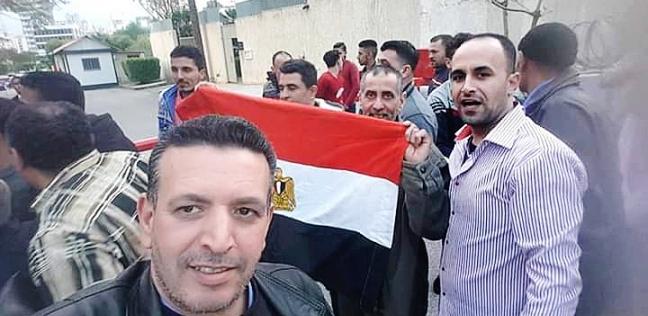 المصريون في لبنان يدلون بأصواتهم في آخر أيام الاستفتاء