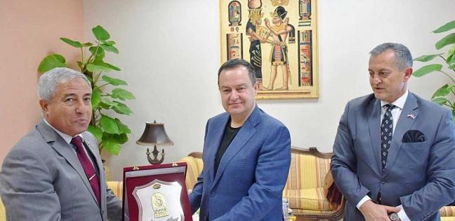 محافظ أسوان يستقبل النائب الأول لرئيس وزراء صربيا
