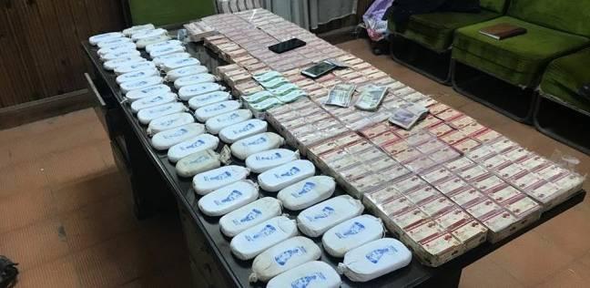 ضبط 20 طربة حشيش و1800 قرص مخدر مع تاجر مخدرات بسوهاج