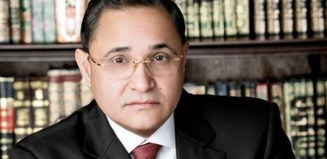 """عبدالرحيم علي يدلي بصوته في لجنة """"جمال عبدالناصر"""" بالدقي"""