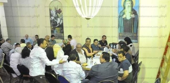 """كنيسة العذراء بالإسكندرية تنظم إفطارا جماعيا للمسلمن بمنطقة """"حوض 10"""""""