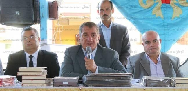 محافظ كفر الشيخ يمنح أسرة الشهيد عبد الجواد سليم رحلة عمرة