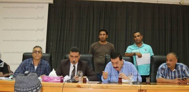 بالصور  السكرتير العام المساعد بكفر الشيخ يناقش شكاوى الأهالي