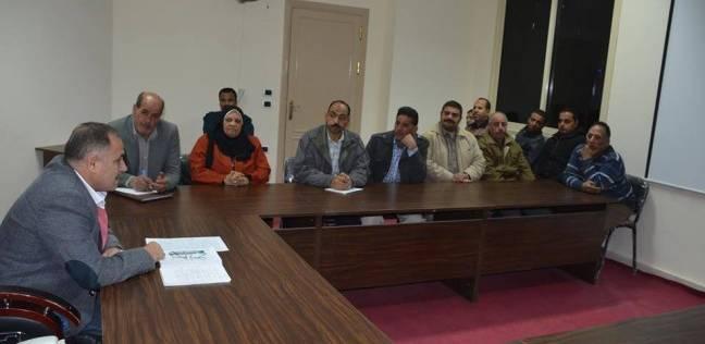 سكرتير عام محافظة الوادي الجديد يلتقي بمديري إدارات ديوان عام المحافظة