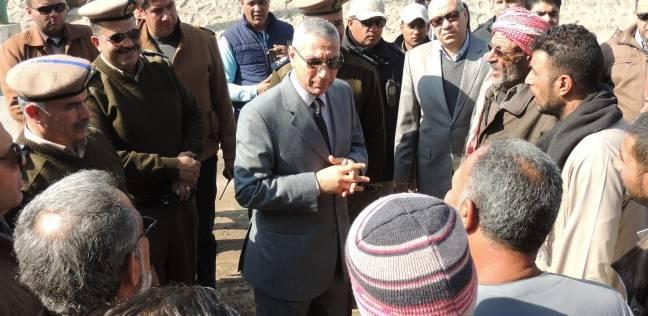 مدير أمن المنيا يتفقد موقف سيارات مراكز شمال المحافظة بعد نقله