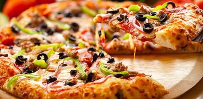 """بيتزا هت علي خطى """"كنتاكي"""" و """"ماكدونالدز"""": لا مضادات حيوية للدواجن 2022"""