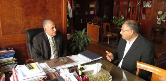 وزير الري يناقش إمكانيات المياه الجوفية لمشروع الـ1.5 مليون فدان