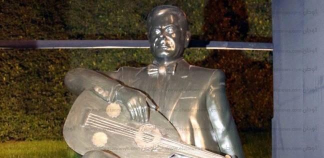 إزاحة الستار عن تمثال فريد الاطرش بدار الأوبرا