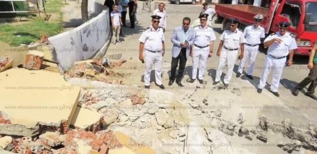إزالة حواجز خرسانية بقلب مدينة الإسماعيلية تيسيرا على المواطنين