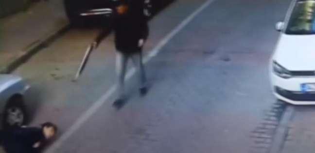 """فيديو مروع.. شاب تركي يقتل زميله بـ""""دم بارد"""""""