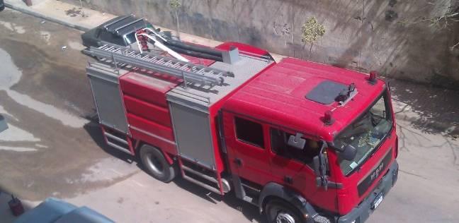 بسبب ماس كهربائي.. اشتعال النار في سيارة ميكروباص على كورنيش الإسكندرية