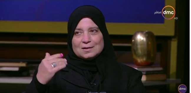 """والدة الشهيد شريف عمر: """"لو ينفع هنتخب السيسي 100 مرة"""""""