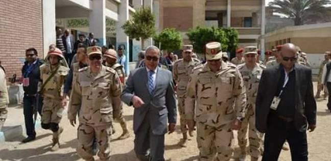 """محافظ السويس ورئيس الأركان بالجيش الثالث يتفقدان لجان """"الأربعين"""""""