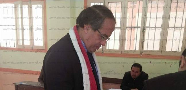 رئيس مركز ومدينة كفر البطيخ يدلي بصوته في الانتخابات