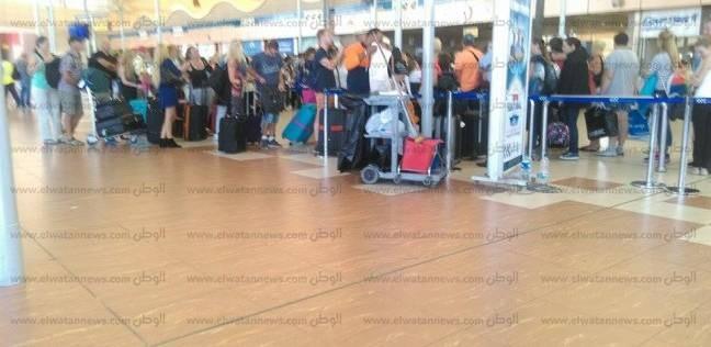 """مصادر في مطار شرم لـ""""الوطن"""": مغادرة 11 ألف سائح روسي و900 إنجليزي خلال 24 ساعة"""