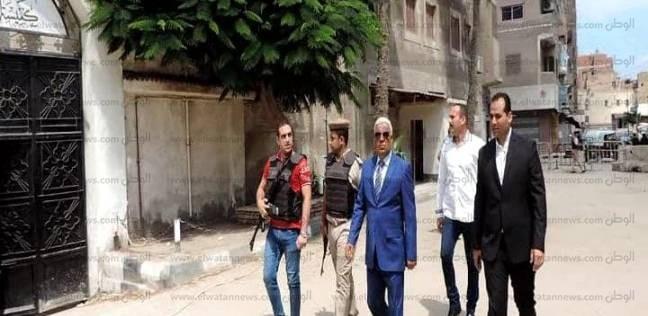 صور| مدير أمن كفر الشيخ يطمئن على يقظة القوات أمام الكنائس