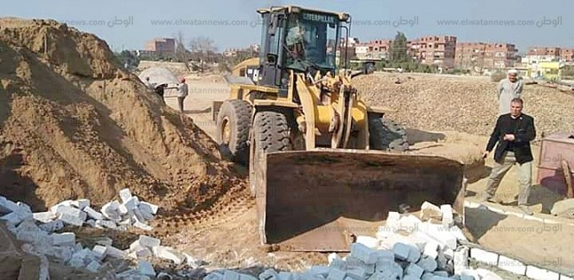 إزالة 15 مقبرة غير مرخصة على أراضي أملاك الدولة بالبحيرة