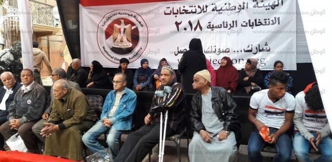 المواطنون يتوافدون على لجان السلام والنهضة.. وأتوبيسات تقل الناخبين