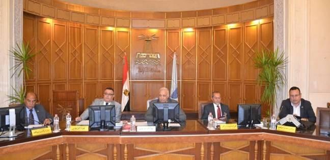 """رئيس جامعة الإسكندرية يطالب بتفعيل """"الدفع الإلكتروني"""" لمنع تكدس الطلاب"""