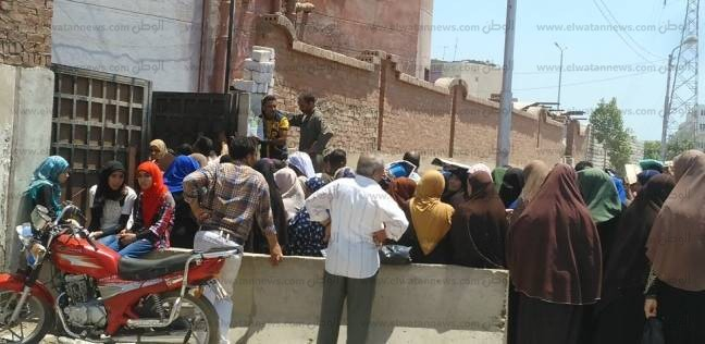 """السجل المدني يحول """"علا"""" لـ""""علاء"""".. والمدرسة ترفض قيد ابنها"""