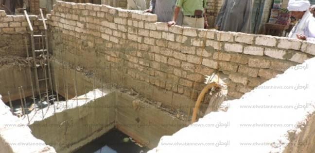 محافظ أسوان يكلف رئيس المدينة بمعاينة «منزل» تضرر سكانه من المياه