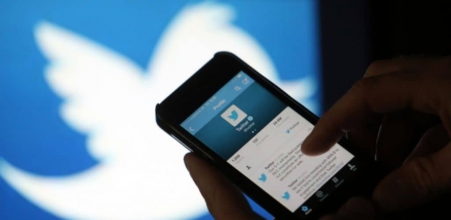 خبير يوضح طرق التحكم بـ«تريندات تويتر»: السر في اللجان الإلكترونية