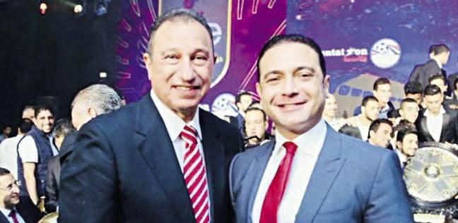 «المصرية للاتصالات» تمنح درعها لـ«الخطيب»