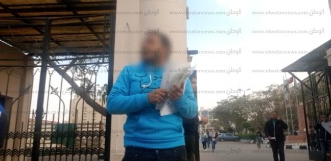 بالفيديو| «برشام الغش» على أبواب «عين شمس».. والجامعة: «ما حصلش»