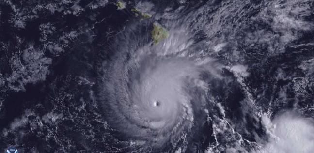 """""""لين"""" يقترب ويهدد هاواي الأميركية برياح عاتية وأمواج خطيرة"""