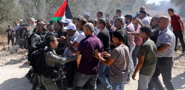 إضراب شامل ومواجهات فلسطينية مع الاحتلال الإسرائيلي في الخليل