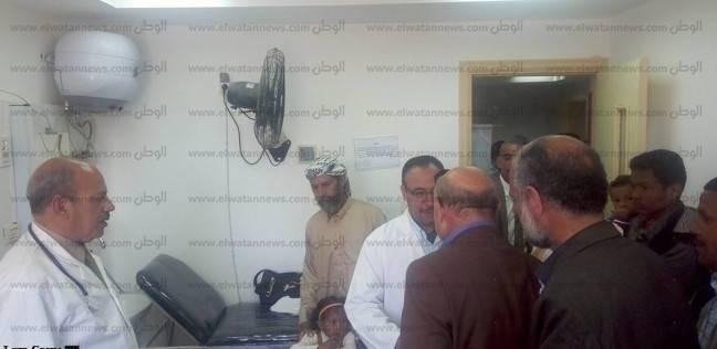 """""""صحة مطروح"""": قافلة طبية تكشف على 1100 مواطن بالمناطق المحرومة"""