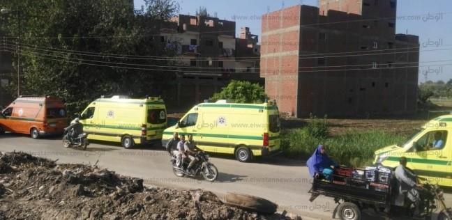 حادث مروع بأسوان.. مصرع 7 وإصابة 15 آخرين في تصادم سيارتين