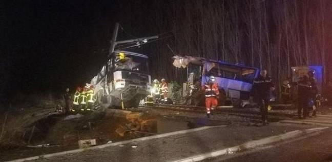 مصرع 4 أطفال وإصابة 20 آخرين إثر تصادم قطار بحافلة مدرسية في فرنسا