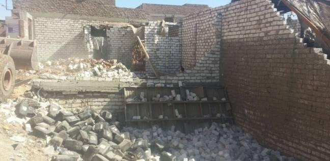 إزالة 67 حالة تعد في مركز ديرمواس بالمنيا