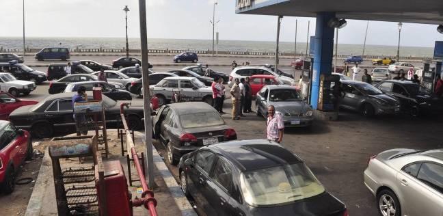 الرقابة الإدارية تشن حملة مكبرة على محطات البنزين في أسوان