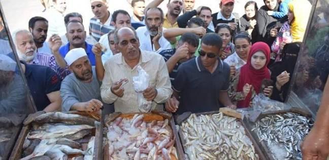 """""""الثروة السمكية"""" بالبحر الأحمر تطرح 3 أنواع أسماك بـ15 جنيها للكيلو"""