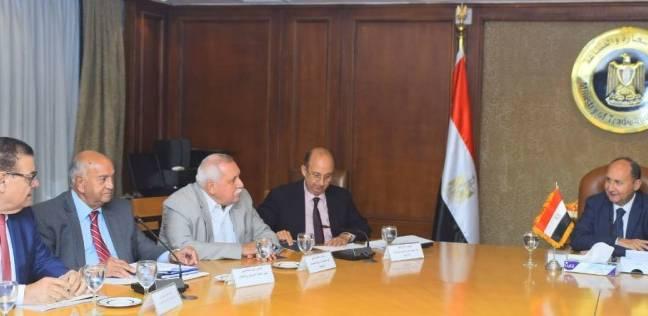 «خطة عمل للنهوض بصناعة الغزل والنسيج» بالتوافق بين الحكومة واتحاد الصناعات