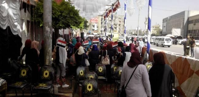 """المنسق العام لحملة السيسي يدلي بصوته في """"فاطمة عنان"""" بمصر الجديدة"""