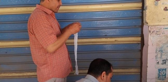 بالصور| حملة لغلق المحلات غير المرخصة في الزرقا بدمياط