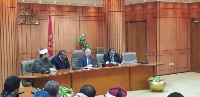 محافظ بورسعيد يبحث الاستفادة من نواتج محطة معالجة الصرف الصحي
