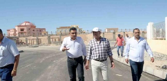 محافظ الأقصر يتفقد عددا من المشروعات بمدينة طيبة الجديدة